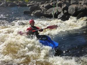 Klara surfar vals i Lissfors